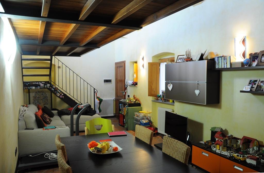 Appartamento in ottime condizioni in vendita Rif. 9493932