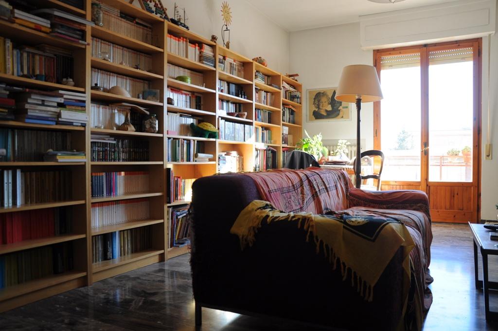 Appartamento in buone condizioni in vendita Rif. 9493931
