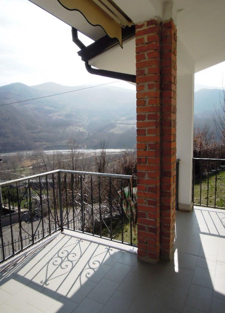 Villa a Schiera in vendita a Bobbio, 5 locali, prezzo € 155.000 | CambioCasa.it