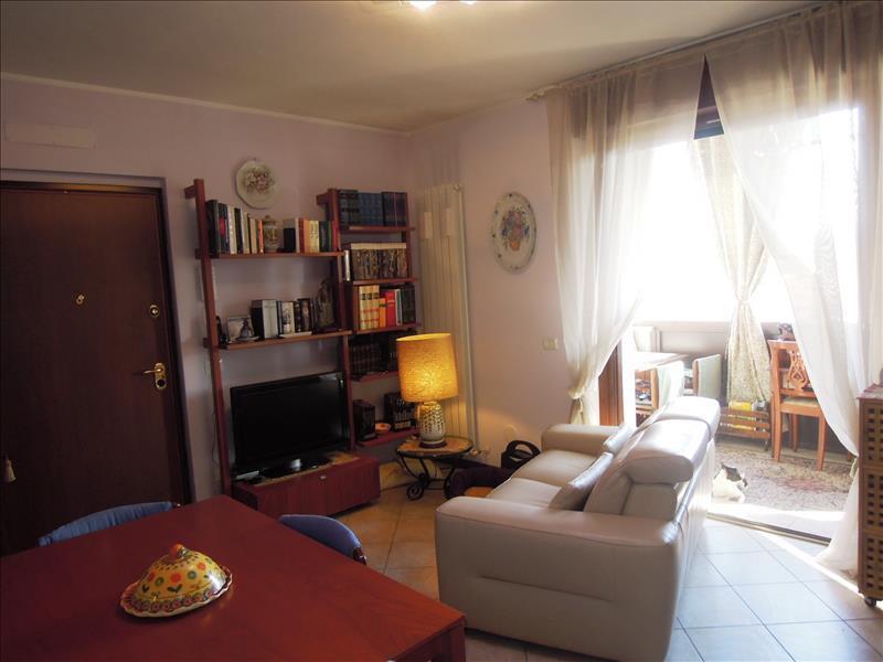 Appartamento in ottime condizioni in vendita Rif. 6913452