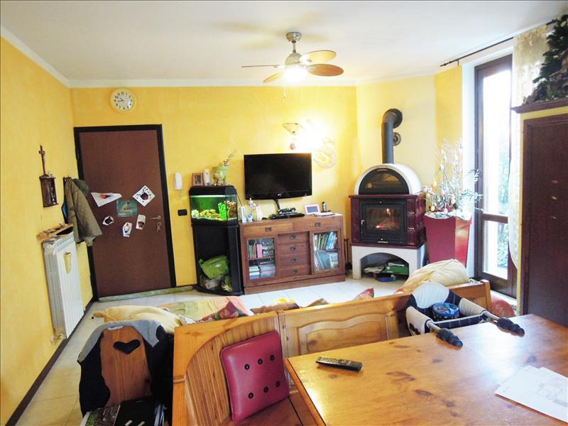 Appartamento in ottime condizioni in vendita Rif. 4771487