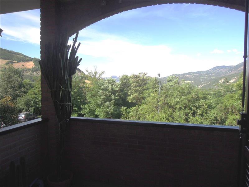Villa a Schiera in Vendita a Bobbio