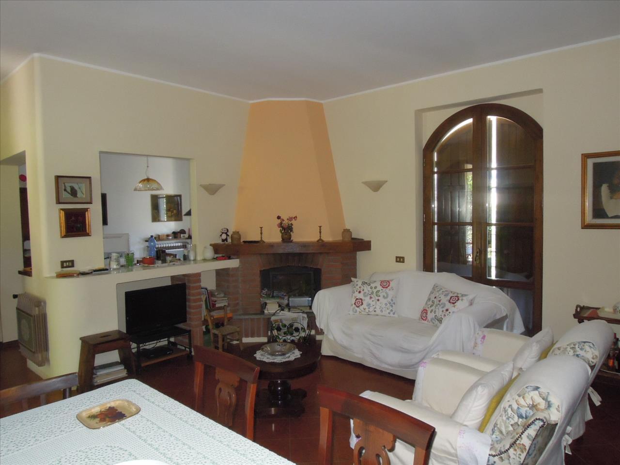 Villa in vendita a Travo, 9999 locali, Trattative riservate | CambioCasa.it
