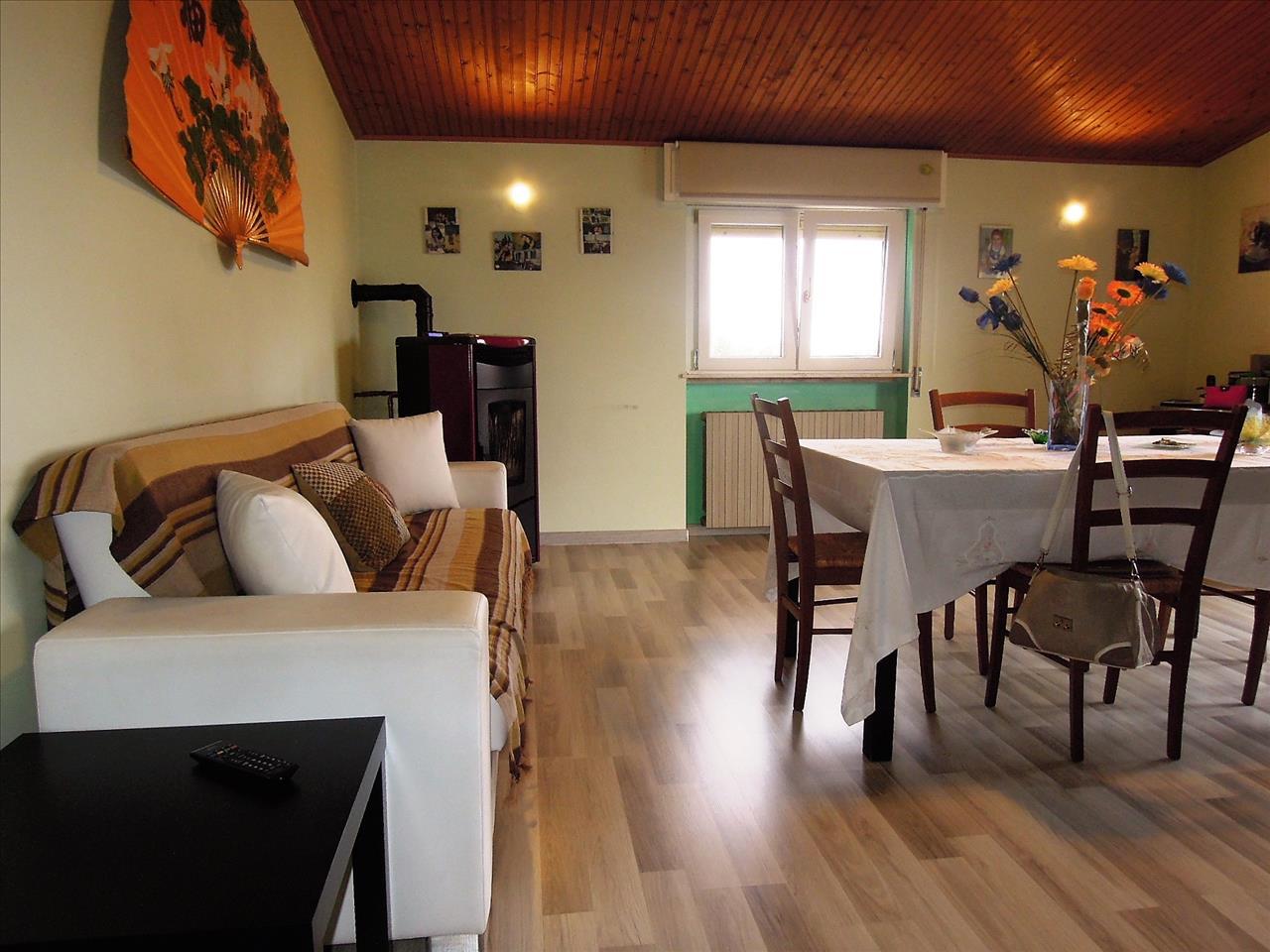Appartamento in buone condizioni in vendita Rif. 4771441