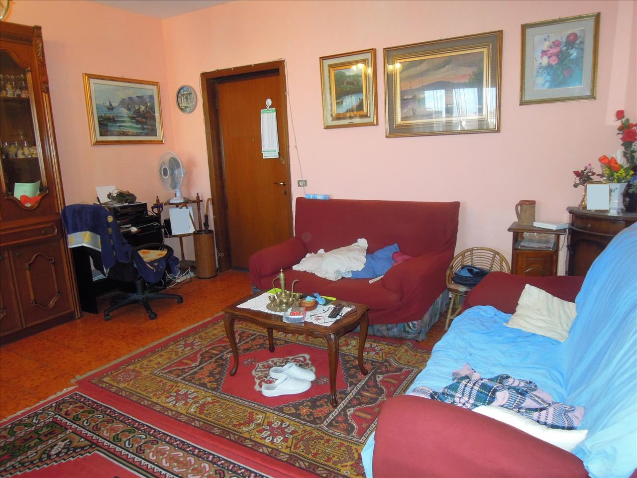 Appartamento da ristrutturare in vendita Rif. 9498663