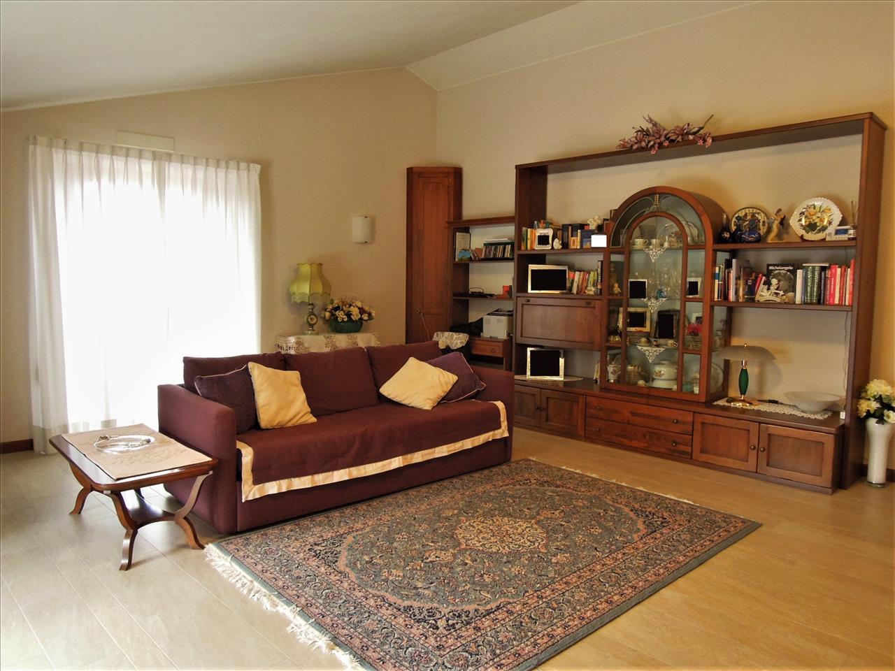 Appartamento in ottime condizioni in vendita Rif. 4771471