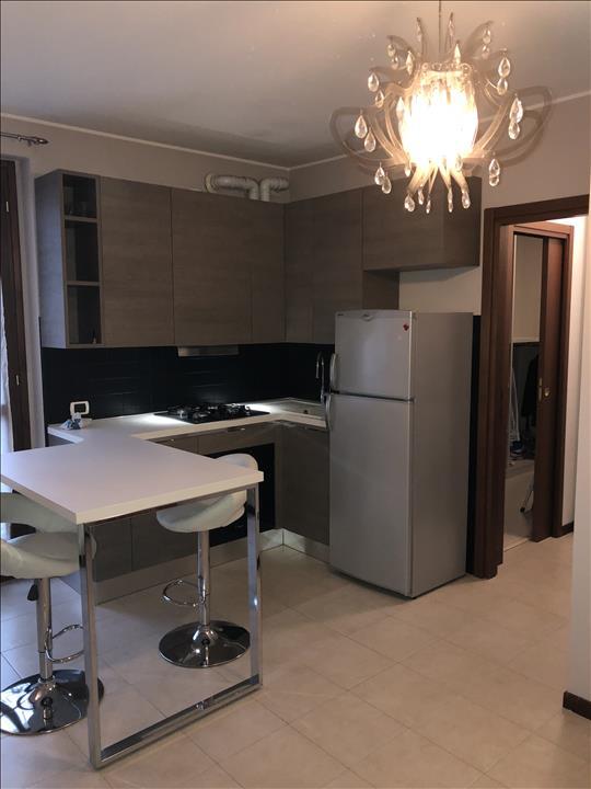 Appartamento in buone condizioni in vendita Rif. 6083574
