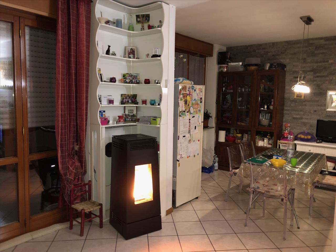 Appartamento in vendita a San Giorgio Piacentino, 4 locali, prezzo € 122.000 | CambioCasa.it