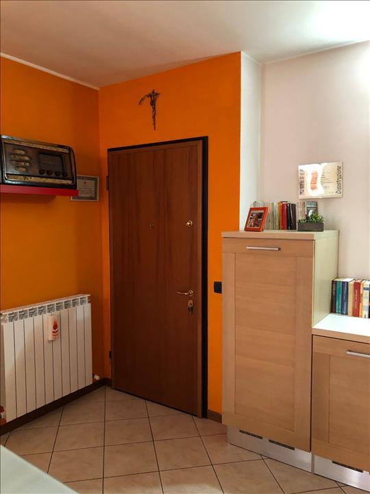 Appartamento in ottime condizioni in vendita Rif. 11350468
