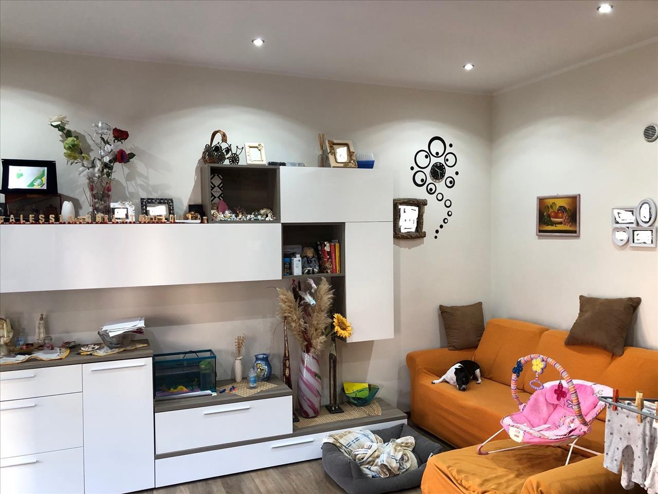 Appartamento in vendita a San Giorgio Piacentino, 3 locali, prezzo € 100.000 | CambioCasa.it