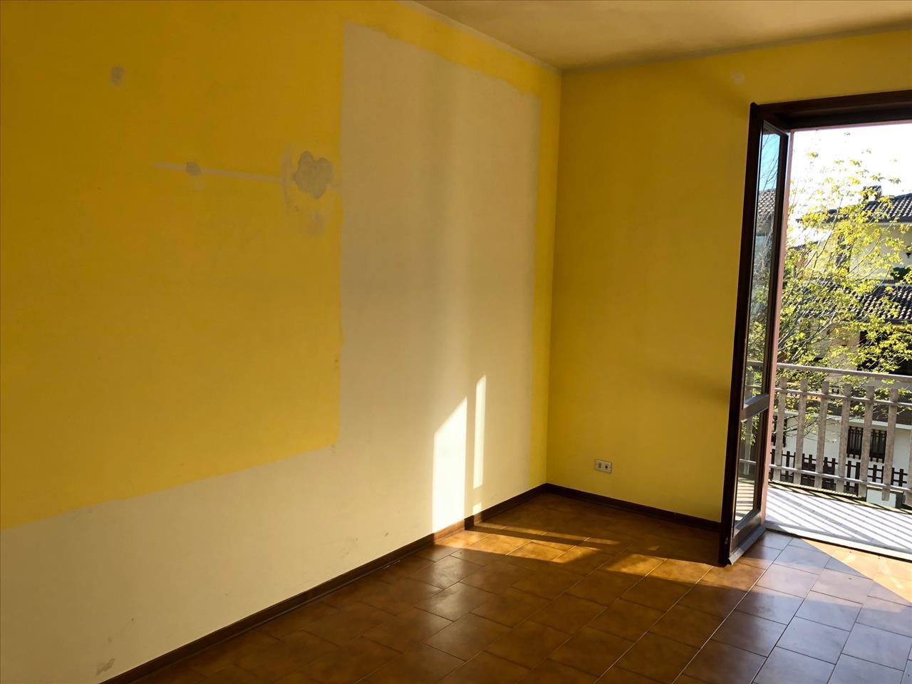 Appartamento in vendita a San Giorgio Piacentino, 3 locali, prezzo € 95.000 | CambioCasa.it
