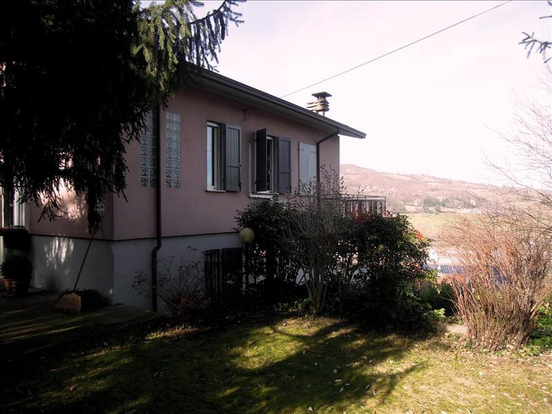 Villa in vendita a Rivergaro, 5 locali, prezzo € 265.000 | CambioCasa.it