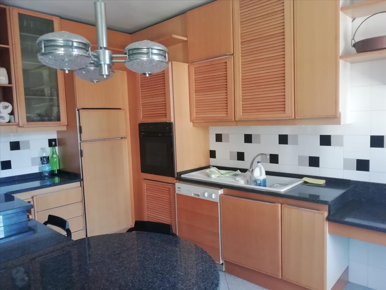 Villa in vendita a Rivergaro, 5 locali, prezzo € 170.000 | CambioCasa.it
