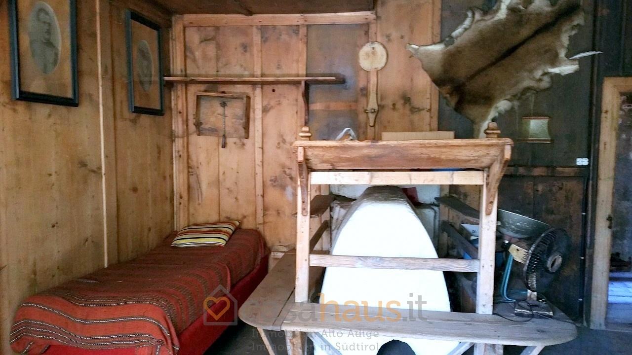 Soluzione Indipendente in vendita a Sarentino, 10 locali, Trattative riservate | CambioCasa.it