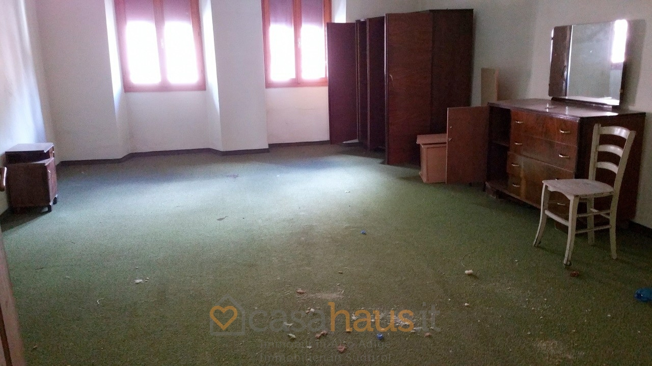 Appartamento in discrete condizioni in vendita Rif. 10507231