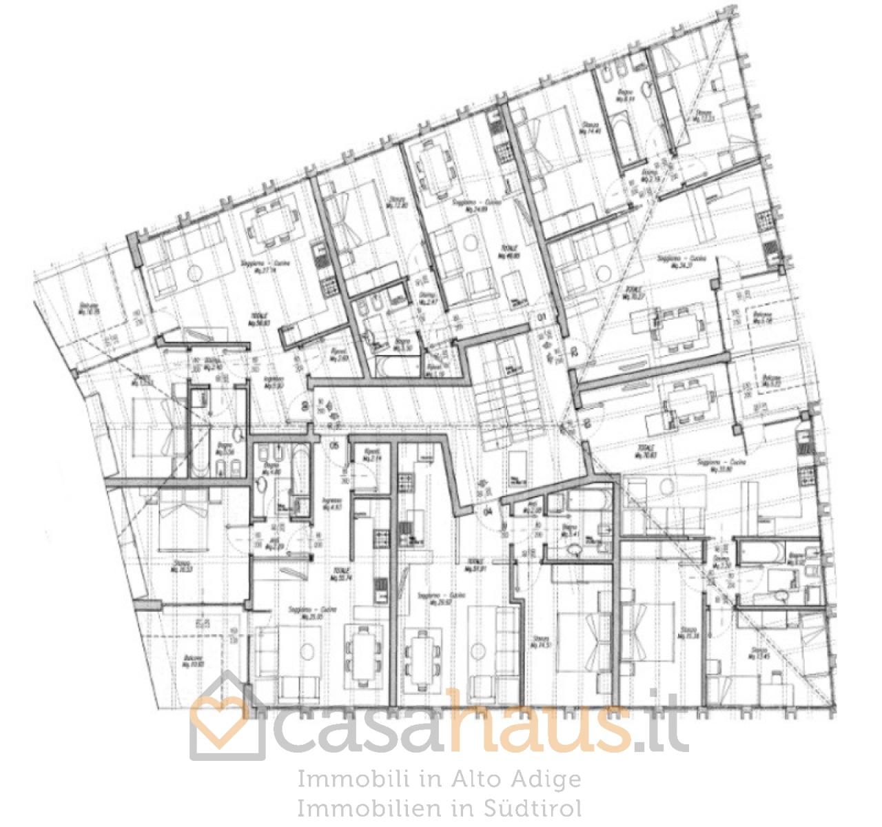 Appartamento in vendita a Roverè della Luna, 14 locali, prezzo € 80.000   CambioCasa.it