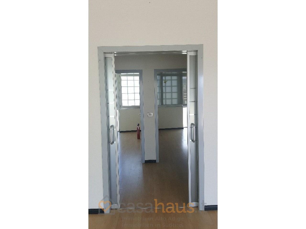 Ufficio in buone condizioni in vendita Rif. 10536516