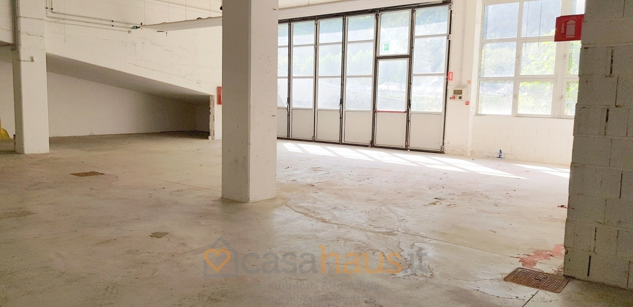Capannone in vendita a Salorno, 9999 locali, prezzo € 320.000 | PortaleAgenzieImmobiliari.it