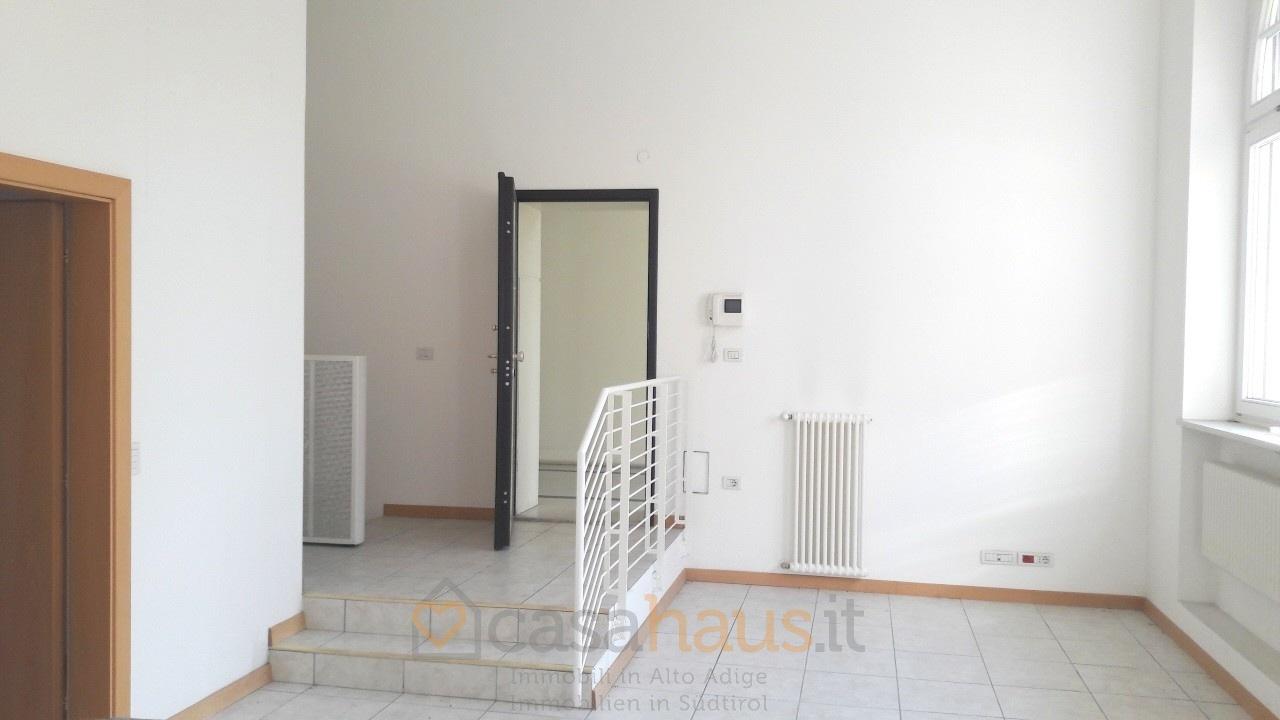 Ufficio / Studio in vendita a Merano, 3 locali, prezzo € 370.000 | CambioCasa.it
