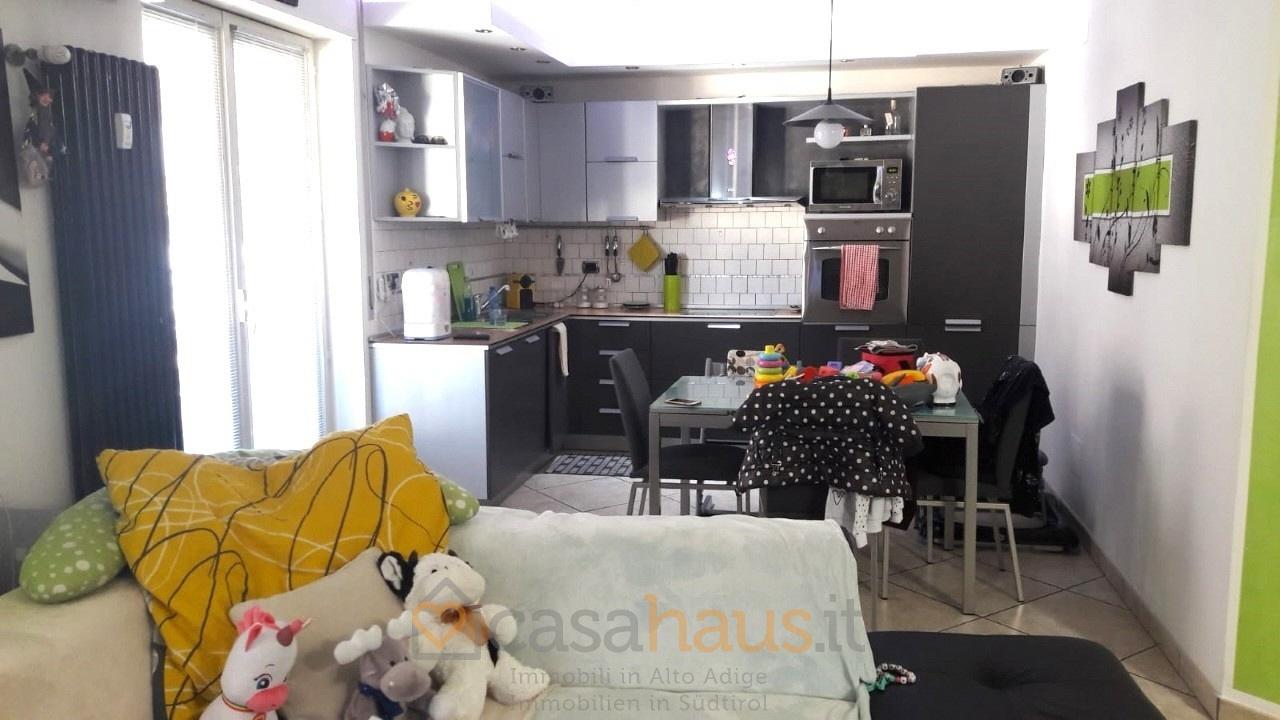 Appartamento ristrutturato arredato in vendita Rif. 9493933