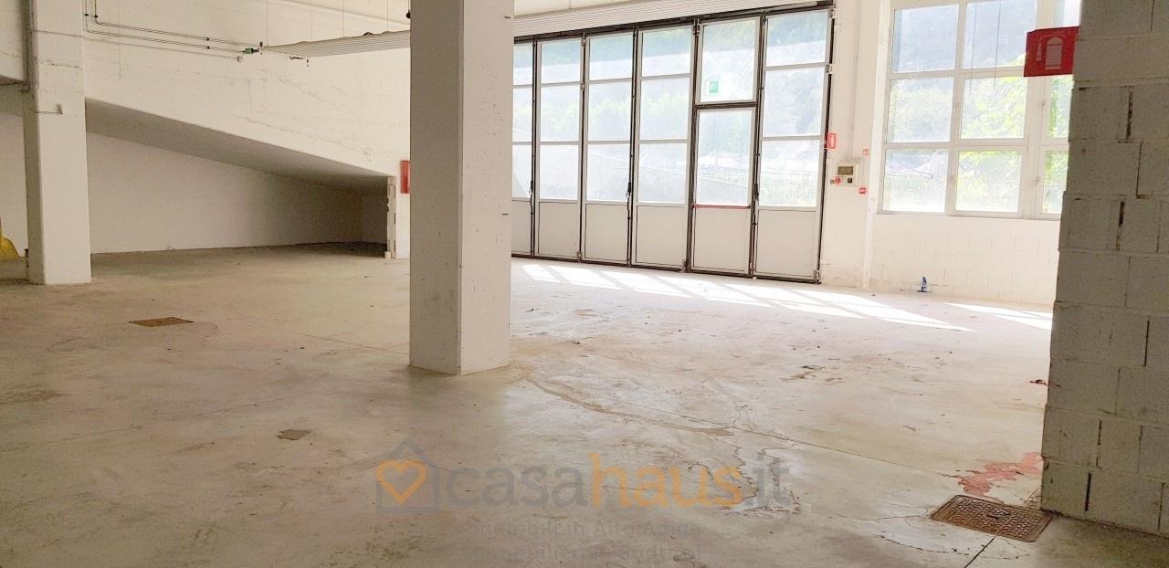 Capannone in vendita a Salorno, 1 locali, prezzo € 320.000 | CambioCasa.it