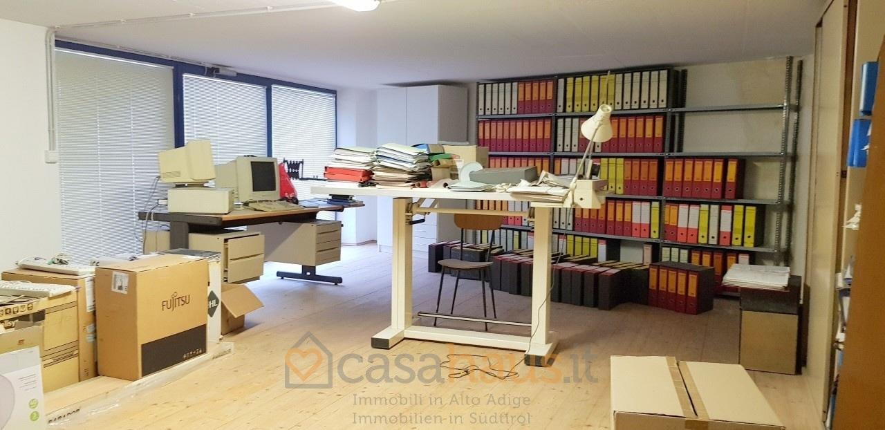 Magazzino in vendita a Terlano, 1 locali, prezzo € 300.000   CambioCasa.it