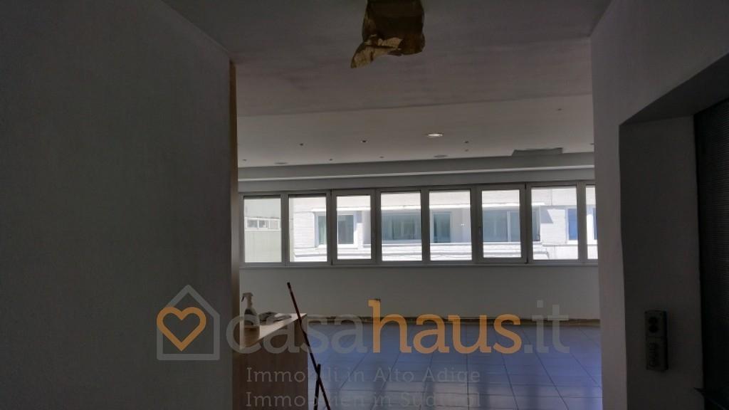 Ufficio / Studio in affitto a Bolzano, 1 locali, prezzo € 1.500 | PortaleAgenzieImmobiliari.it