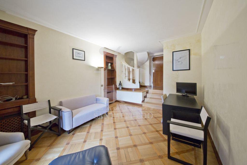 Bilocale Milano Via Della Spiga 5