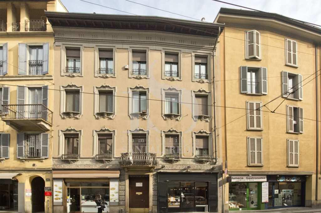 Bilocale vendita milano zona centro storico for Planimetrie strette