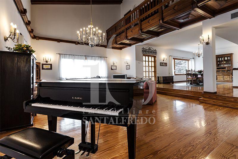 Immobiliare santalfredo for Case in stile capannone