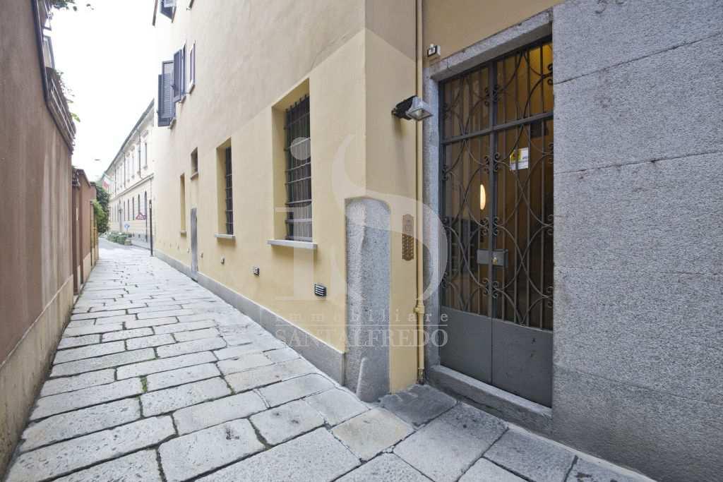 Bilocale Milano Via Della Spiga 3