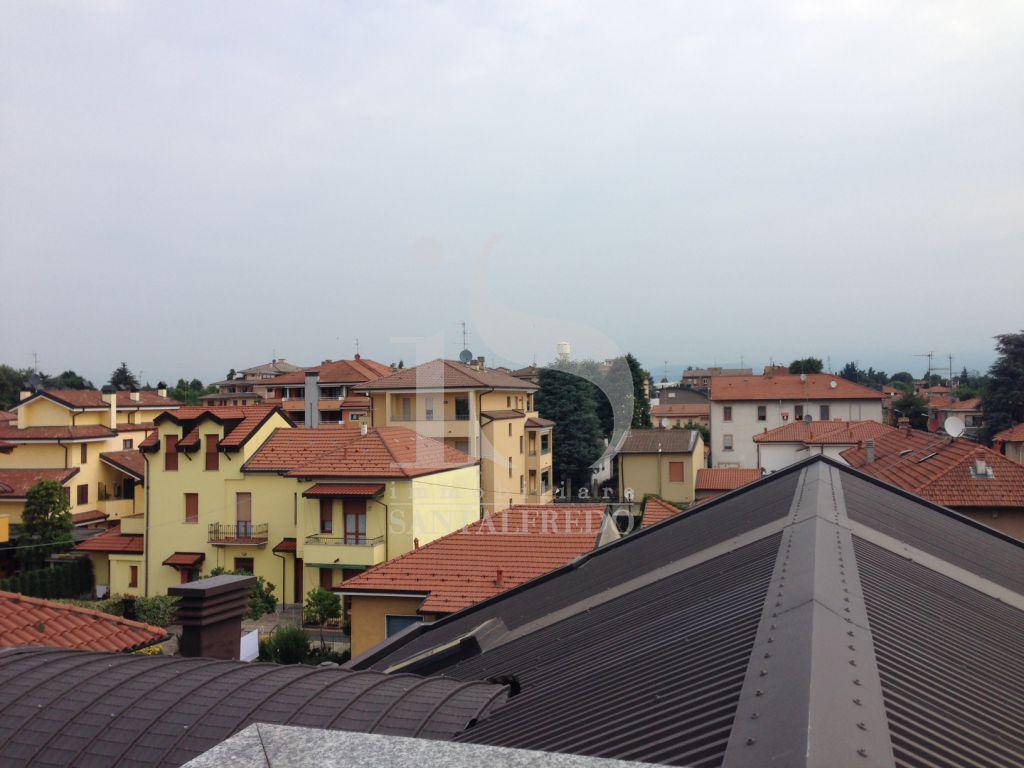 Bilocale Concorezzo Via Carducci 11