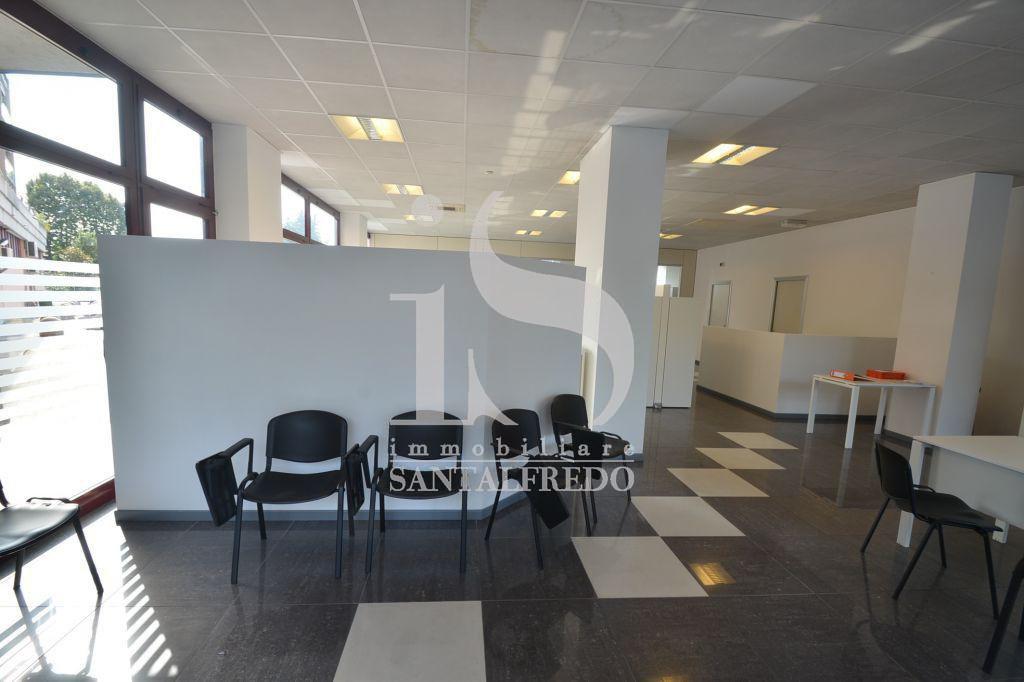Ufficio / Studio in vendita a Gallarate, 6 locali, prezzo € 290.000 | CambioCasa.it
