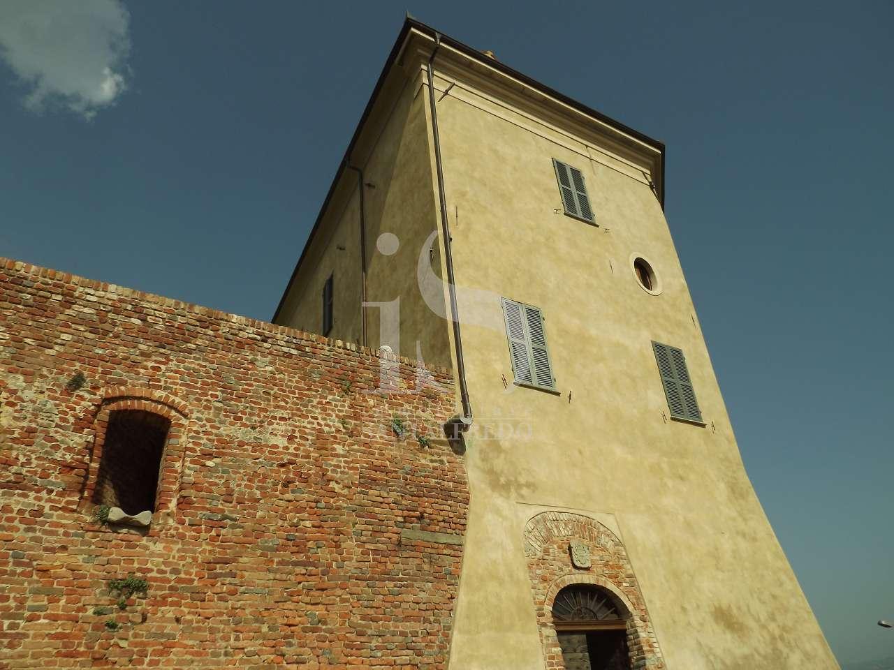Castello in vendita a Alba (CN)