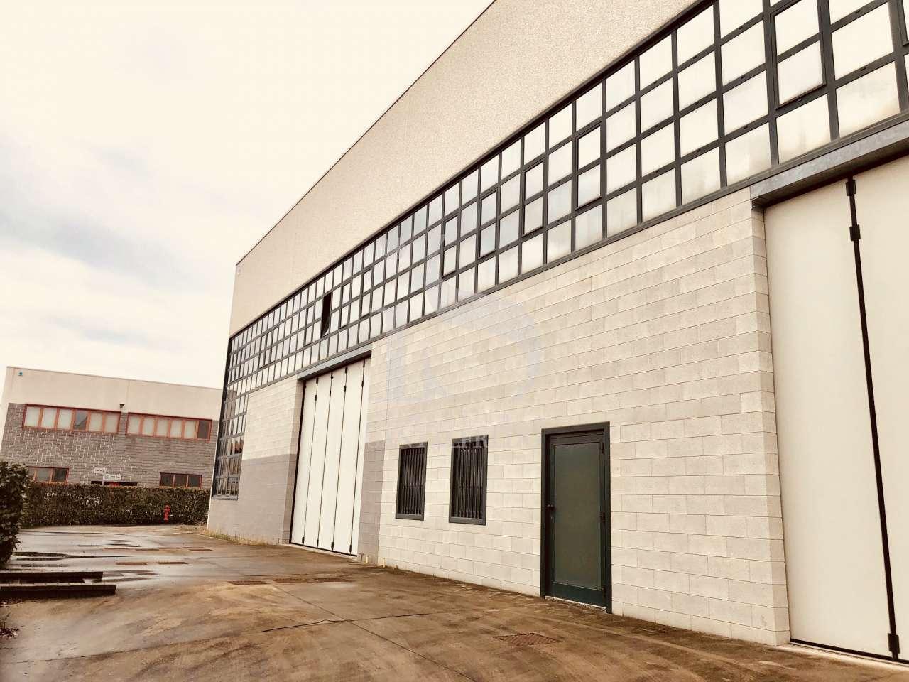 Magazzino - capannone in vendita Rif. 9654098