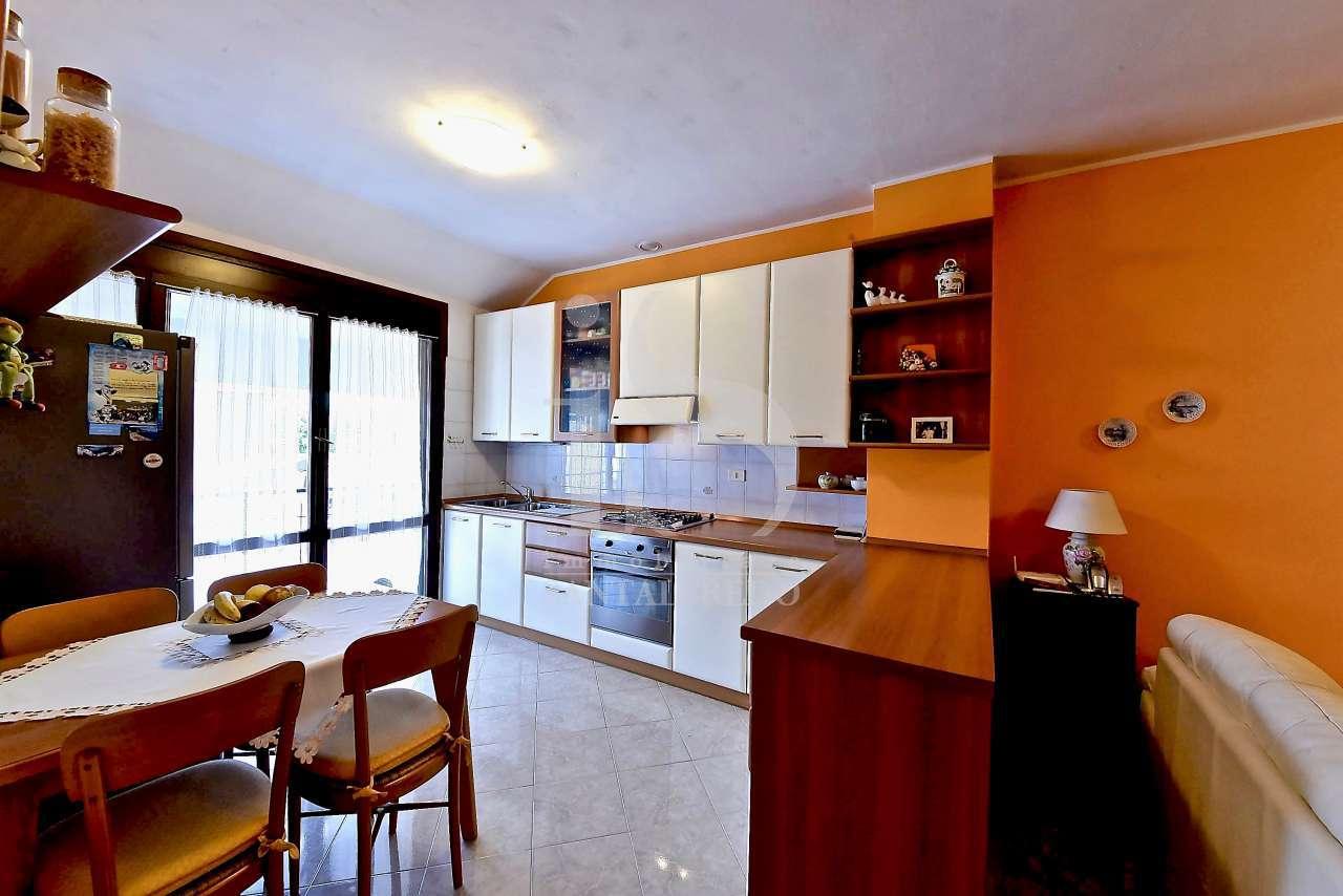 Appartamento ristrutturato in vendita Rif. 10176445