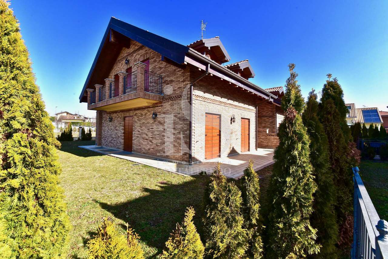 Villa in vendita a Casatenovo (LC)