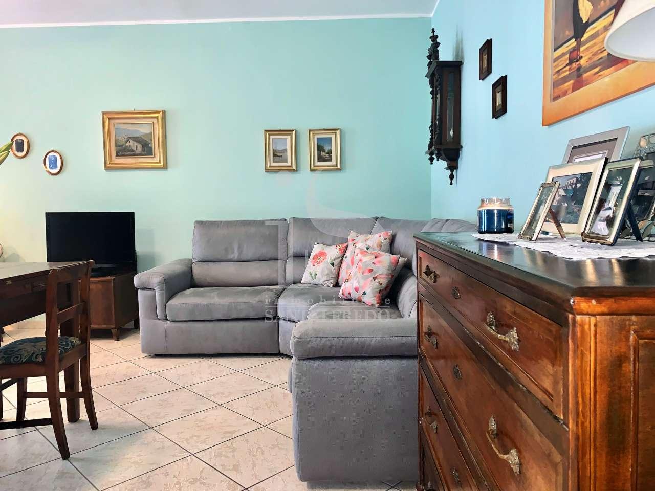 Appartamento in buone condizioni in vendita Rif. 10243148