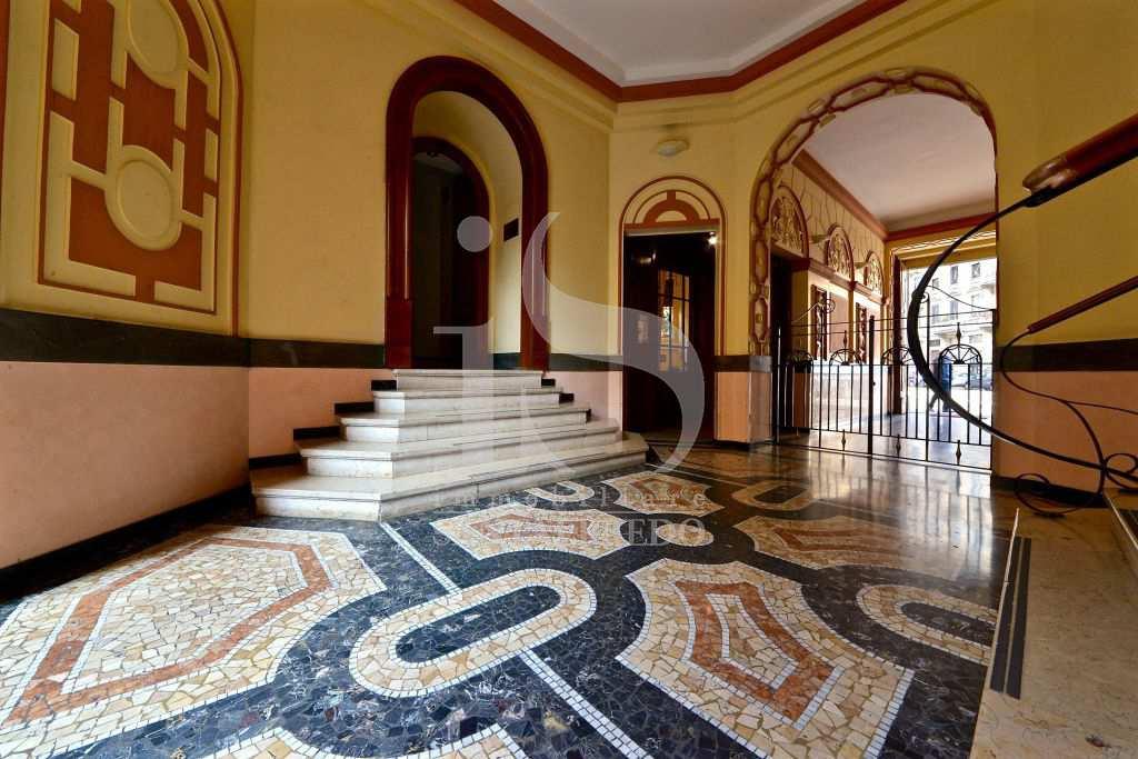 Appartamento in ottime condizioni arredato in affitto Rif. 10693759