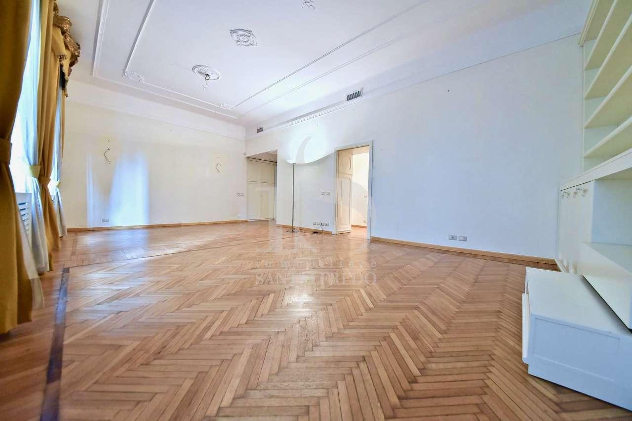 Appartamento in ottime condizioni in vendita Rif. 10700784