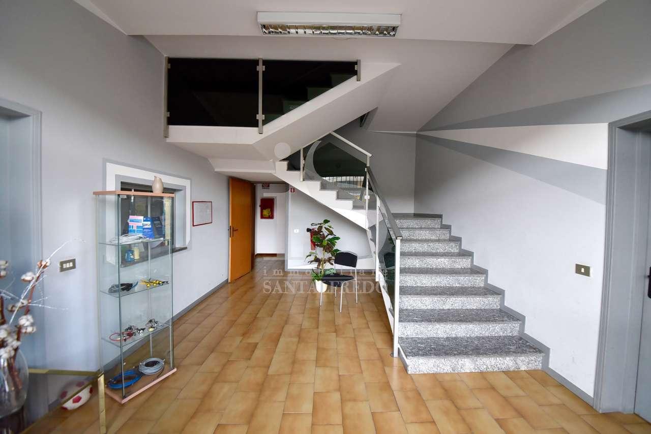 Ufficio in buone condizioni in affitto Rif. 12368149
