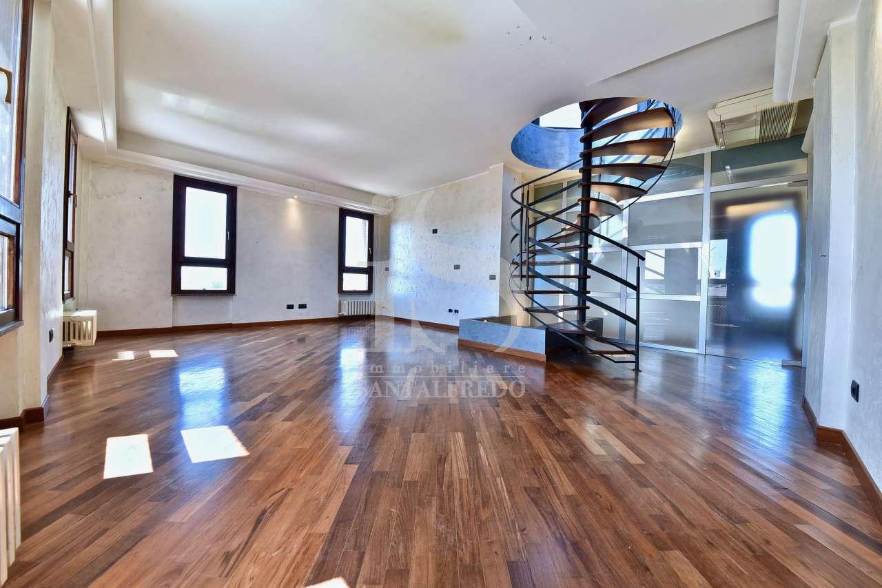Appartamento in ottime condizioni in vendita Rif. 12393216