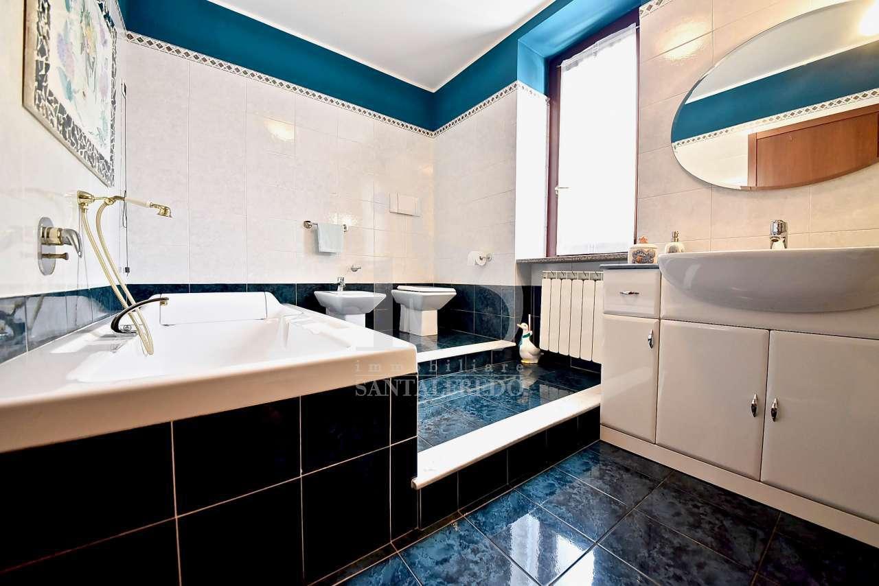 Appartamento in buone condizioni in vendita Rif. 12393212