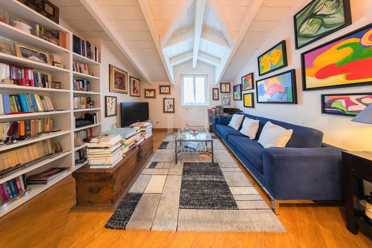 Appartamento in vendita a Villasanta, 3 locali, prezzo € 175.000   CambioCasa.it