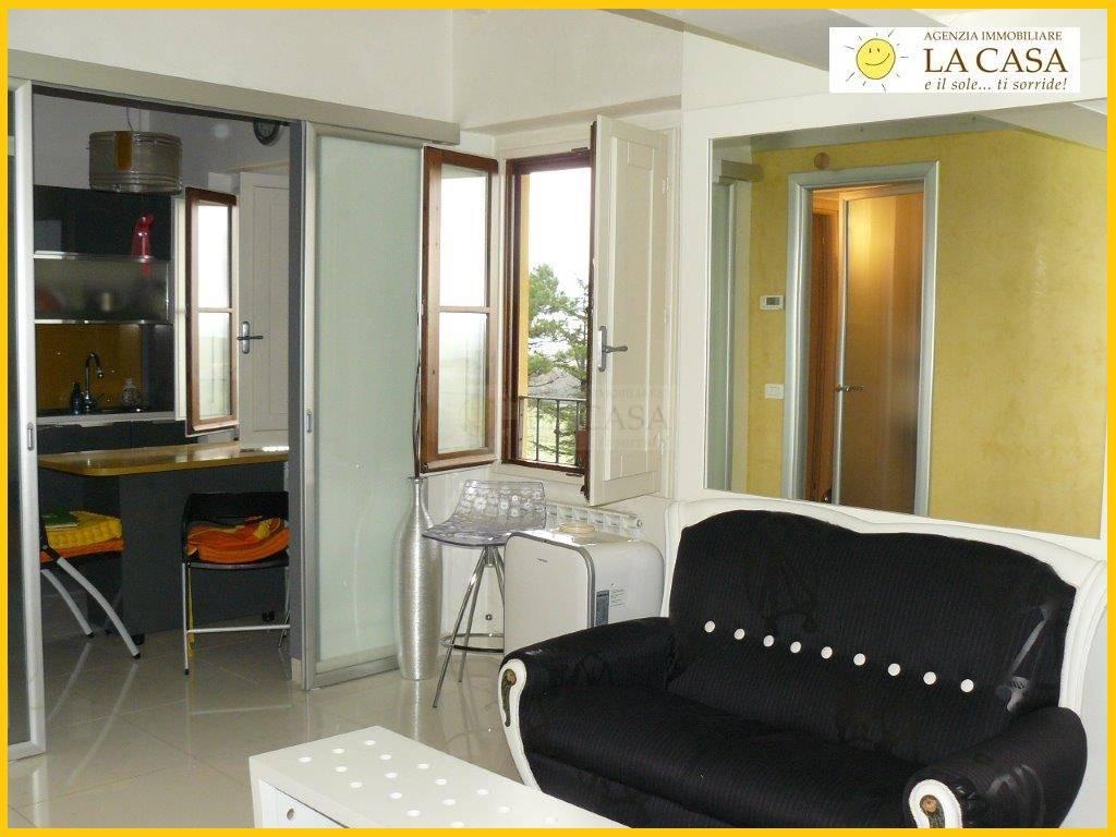 Appartamento in affitto a Figline Valdarno, 3 locali, zona Località: (ZONA PONTE AGLI STOLLI), prezzo € 630 | Cambiocasa.it