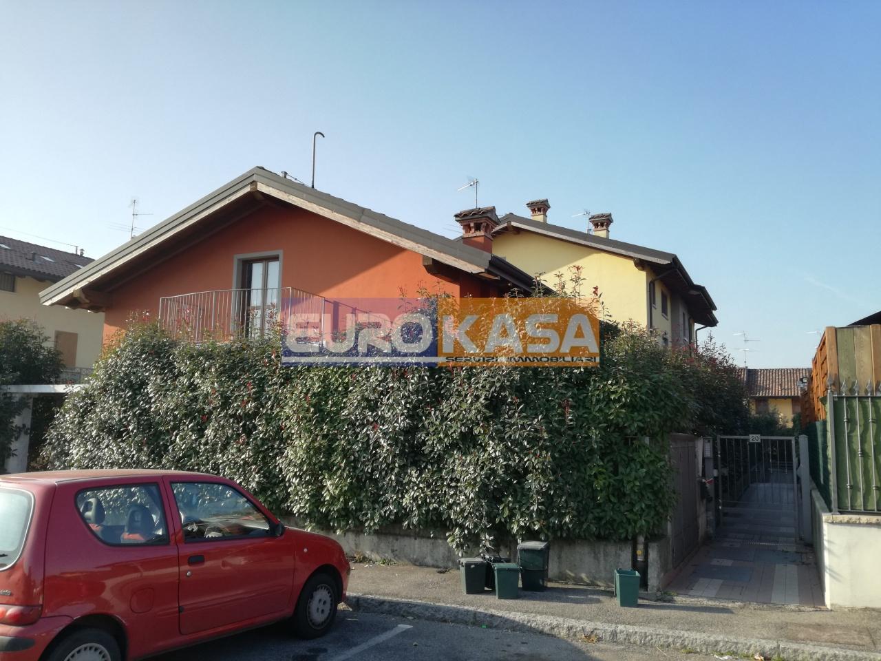 Appartamento in ottime condizioni in vendita Rif. 6560233
