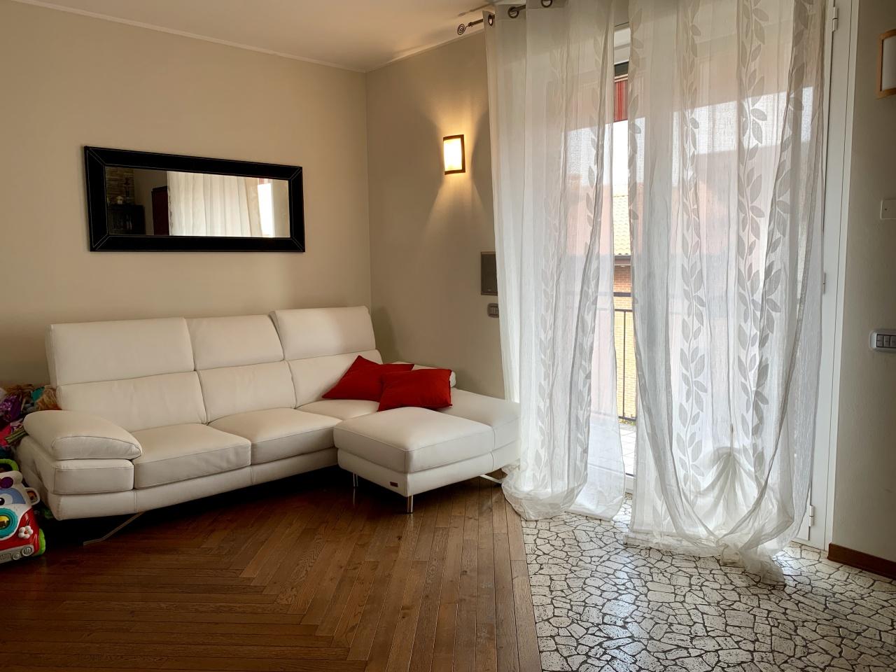 Appartamento in ottime condizioni in vendita Rif. 9766331