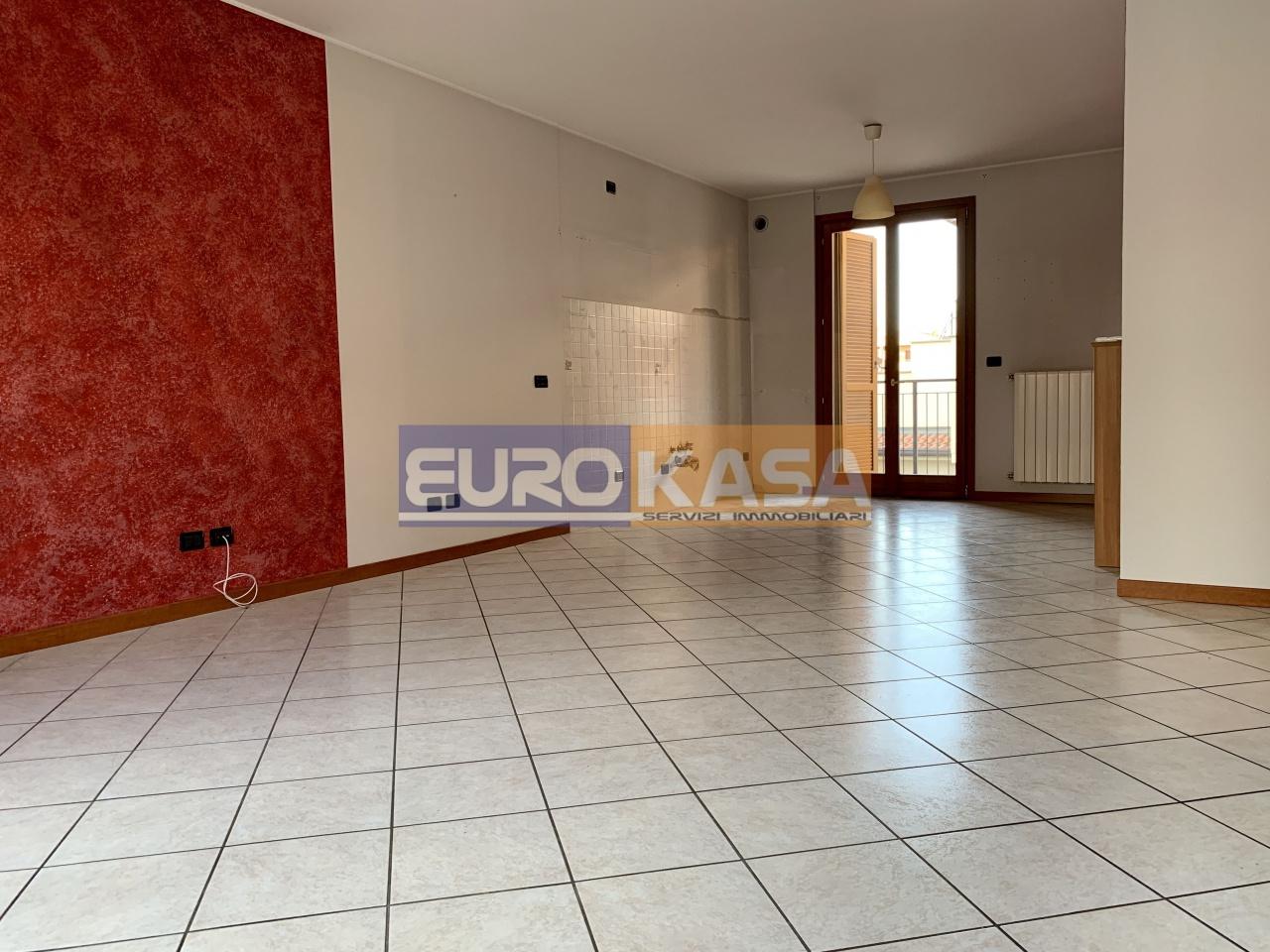 Appartamento in ottime condizioni in vendita Rif. 11273845