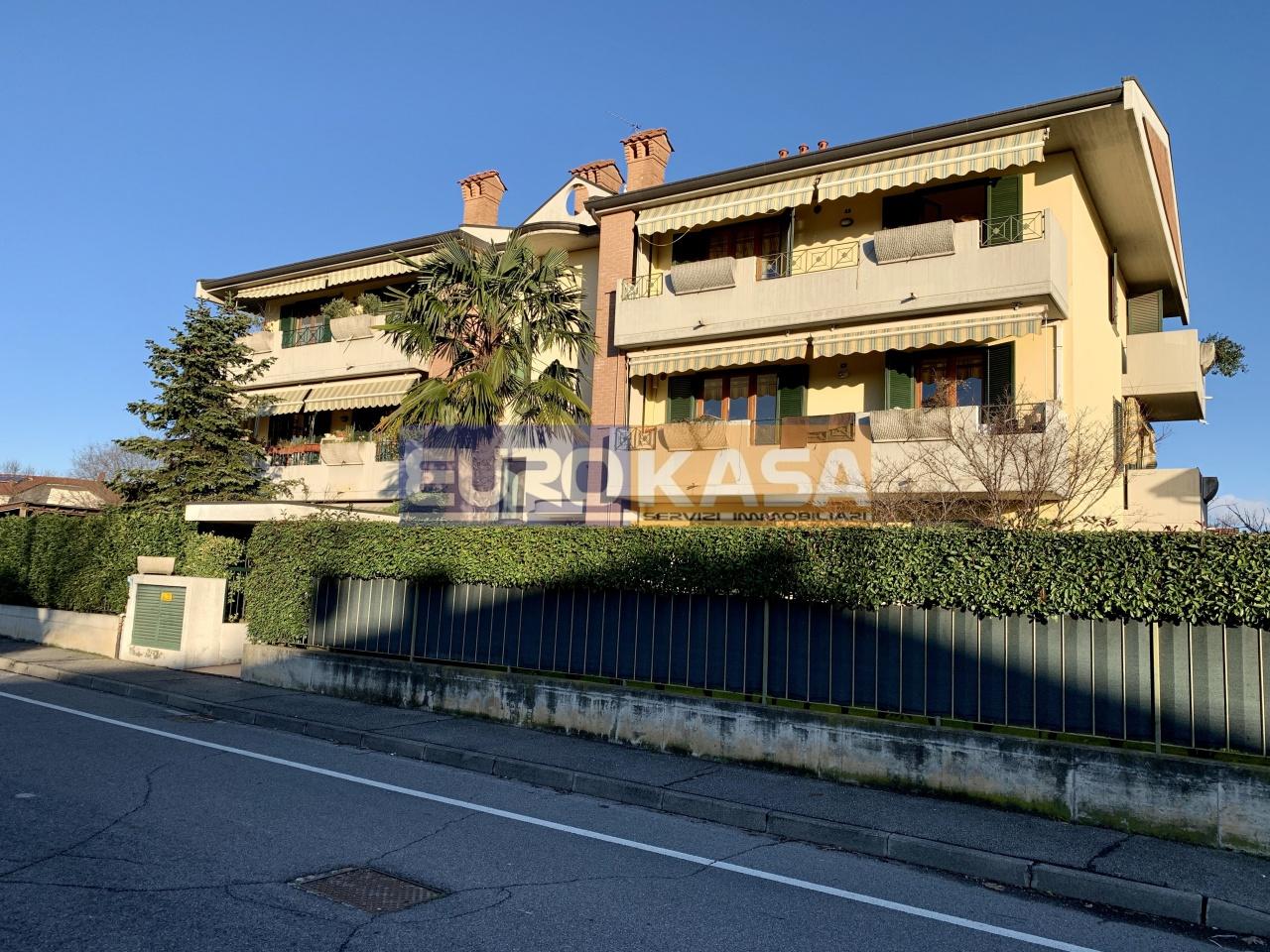 Appartamento in ottime condizioni in vendita Rif. 11804883