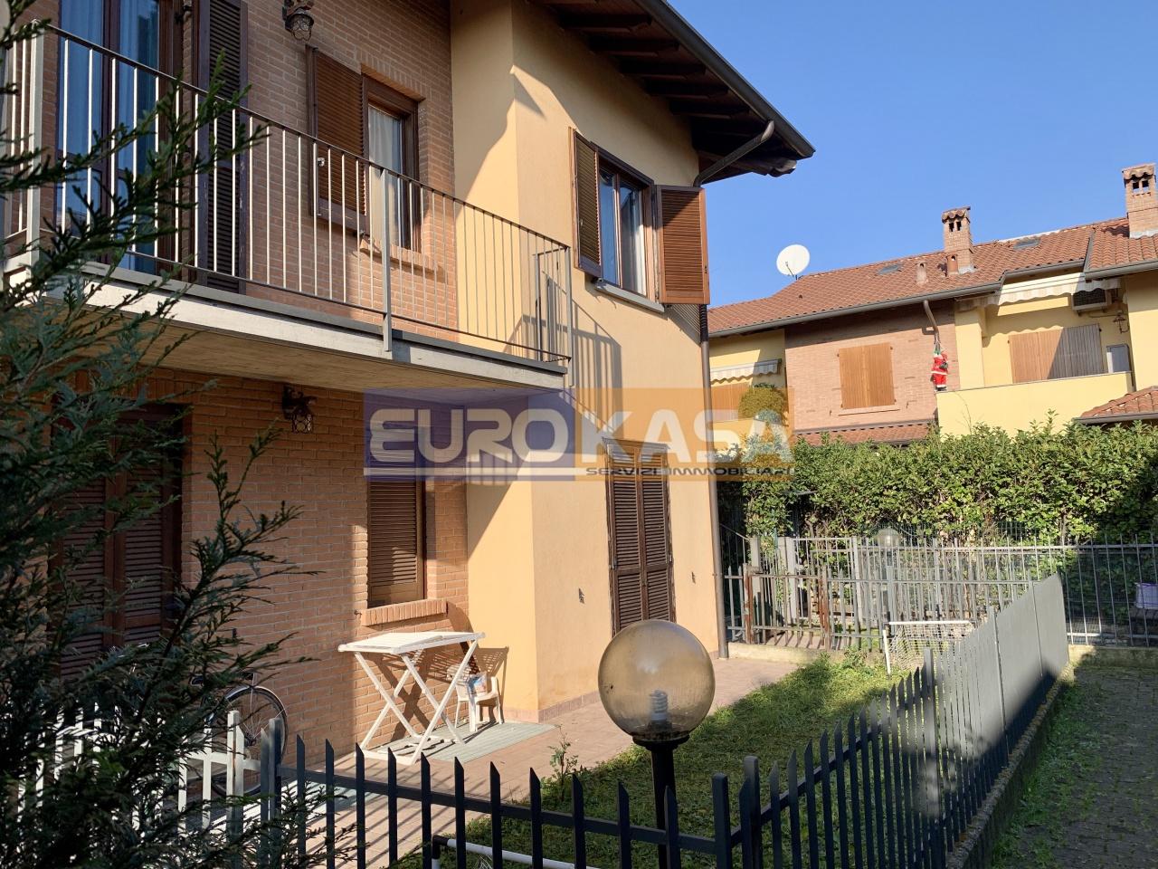 Appartamento in ottime condizioni in vendita Rif. 11846955